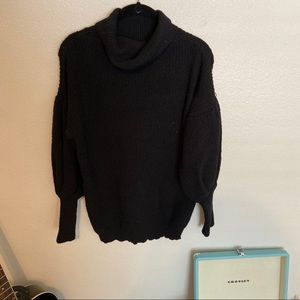 Turtleneck sweater with puff sleeves SIZE L